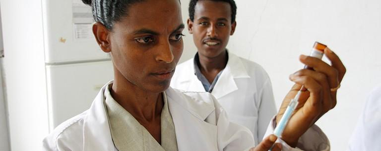 Preparing_a_measles_vaccine_in_Ethiopia